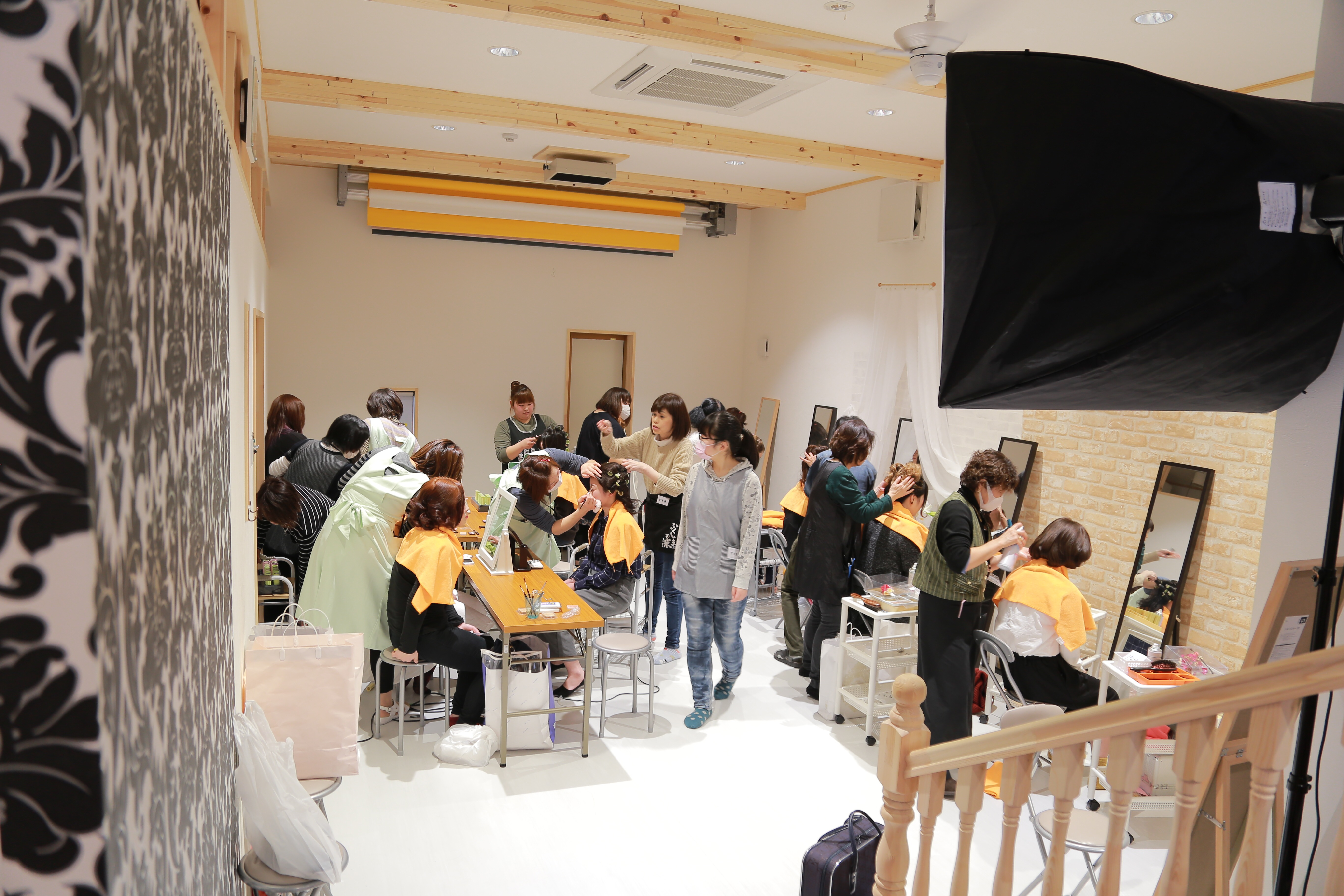 紬のたけやま 成人式のヘアメイク風景